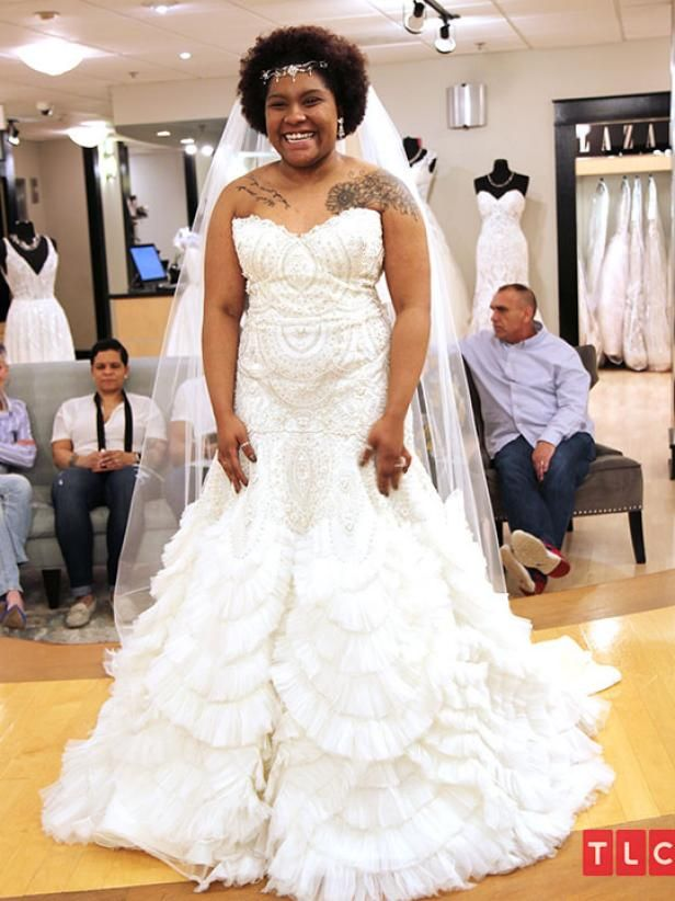 The Dress Bride Chasity Chose This Stunning Ivory Enaura Gown Desinger Enaura Style 0131392 Pr In 2020 Stunning Wedding Dresses Yes To The Dress Dress Gallery