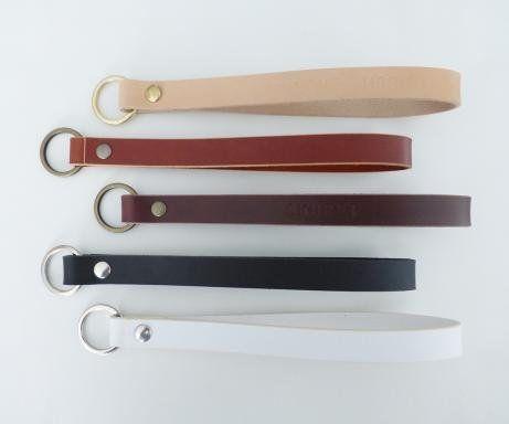 Læder nøgleringe og keyhangers i flere farver. Nøgleringe med tryk