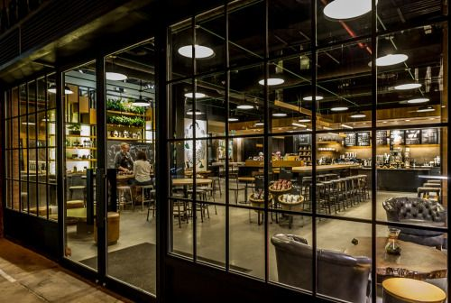 Brooklyn, New York: The Starbucks Reserve store in Williamsburg is home to art pieces that augment the café space and pay homage to local surroundings and coffee heritage. Nautical-inspired features are incorporated in acknowledgement of...