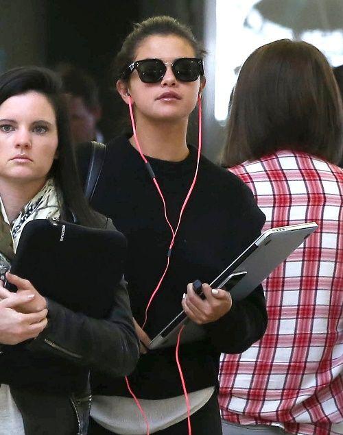 Selena Gomez Undergoes Body Image Overhaul