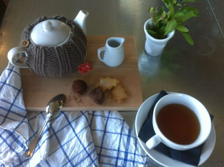Tea cup at coffee shop Πsquare