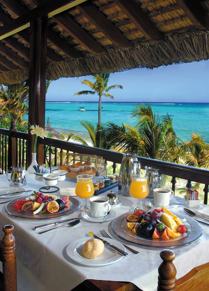 How about enjoying this view at breakfast while staying at Dinarobin Hotel & Spa Mauritius.