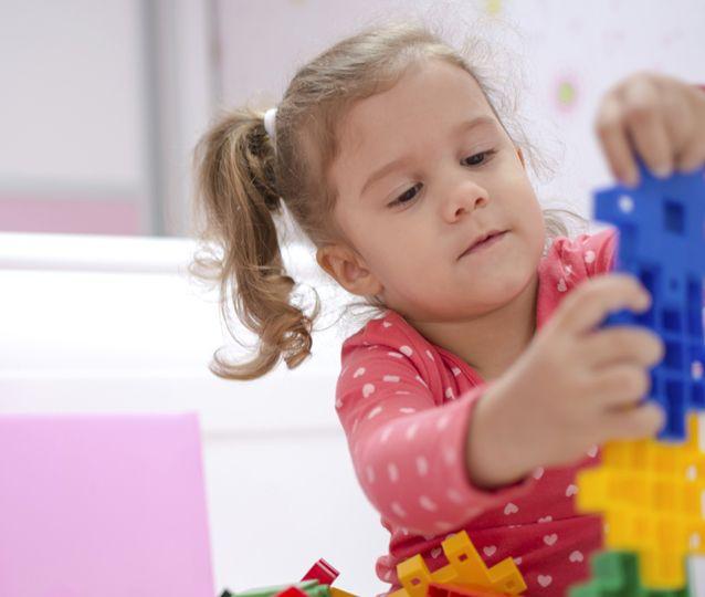 Comment développer le jeu chez les enfants qui présentent des besoins particuliers ? | Psychologie et jeunes enfants | Yoopa.ca