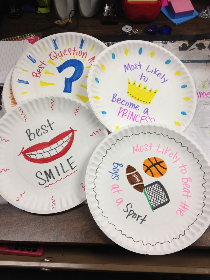 Paper Plate Awards! give them out at the end of the year and the kids love it. Image only.
