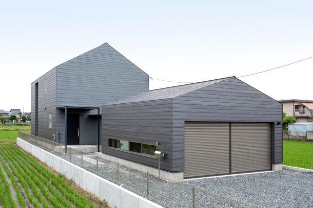 グレーを基調とした三角屋根の家・間取り(愛知県津島市)   注文住宅なら建築設計事務所 フリーダムアーキテクツデザイン