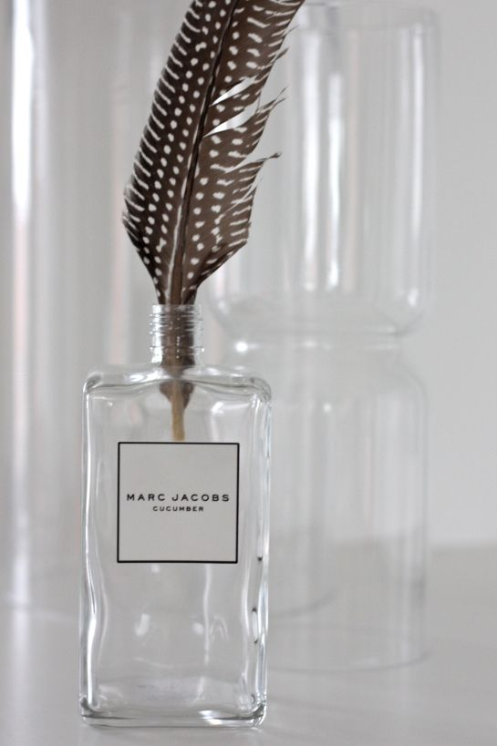 homevialaura | Marc Jacobs perfume bottle | feather | Iittala Lantern