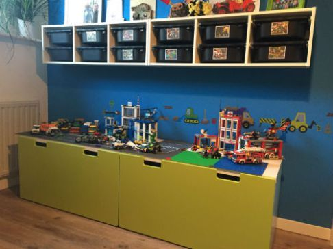 Een pagina vol met de leukste & mooiste LEGO FUN DIY om thuis te maken, incl. stappenplannen en foto's. Zoals: LEGO t-shirt, LEGO zeep, LEGO snoepjes etc