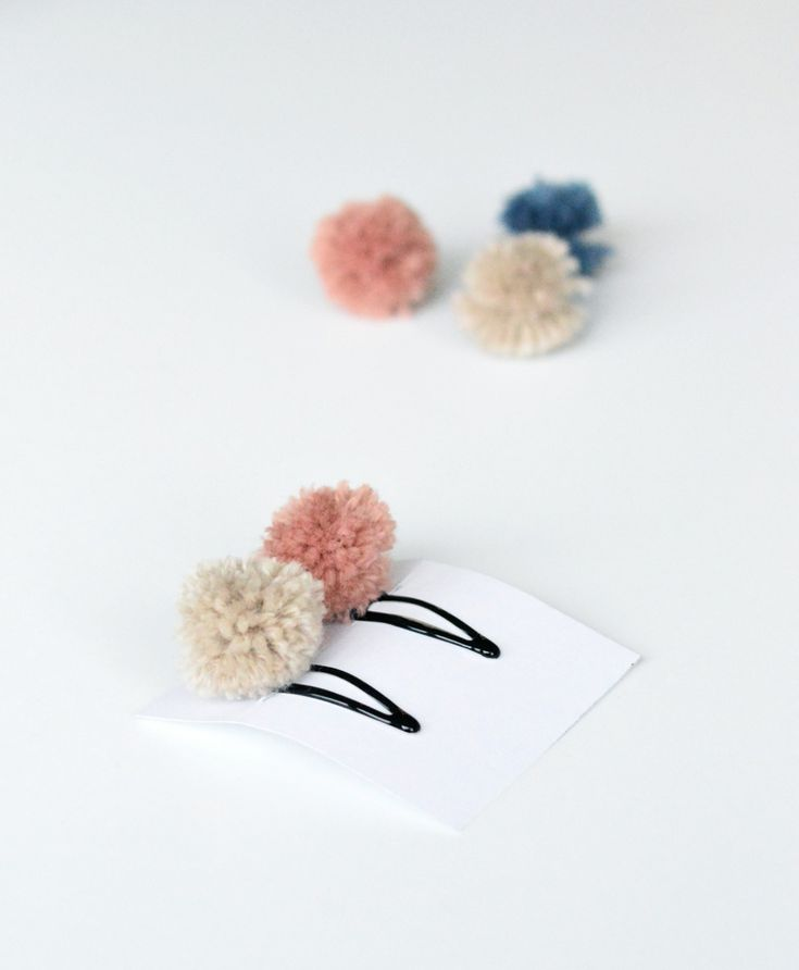 ebabee likes:DIY pom pom hair clips - ebabee likes