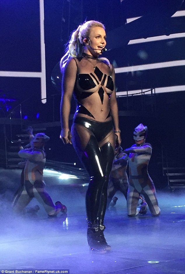 f151ac7b92a20ca2b52f65aacd3728a0--shows-in-las-vegas-britney-spears.jpg