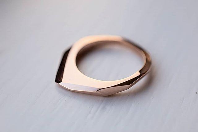 Rose gold angular ring/pendant. www.isle-jewellery.com ♥️ #ISLEjewellery #quietlyconfidentfinejewellery #modernluxury #rosegold #giantscauseway #irishdesign #pursuepretty #creativelife #studioscenes #doitfortheprocess #abeautifulmess #creativityfound #colorcolourlovers #howihue #createcultivate #creativewomen #colorlove #dowhatyoulove #explorecreate #styling #makersmovement #handcraft #soulminimalist #creativeminimalism #visualscollective #gatheredstyle #aquietstyle