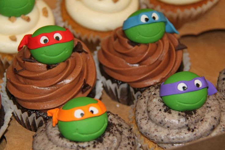 "TMNT (Teenage Mutant Ninja Turtles) !!!  Gotta make these for the ""big boys"" for their next birthday !!!"