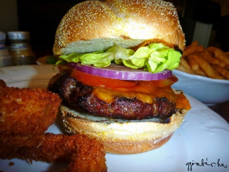 Igazi, hamisítatlan amerikai hamburger Las Vegasból - nyálcsorgatós emlék.