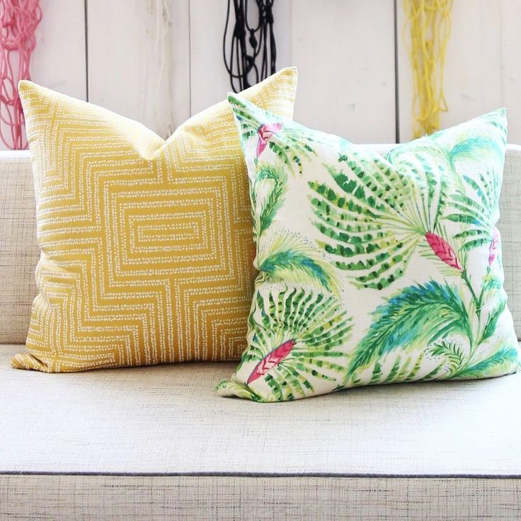 Newest pillow fresh maker on the right named Palm Beach Fan  {link in my bio up there to see it up closer  - We Ship to All the places!} #toniclivingpillows . . #finditstyleit
