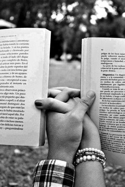 Gel diyorum, beraber kitap okuyalım...