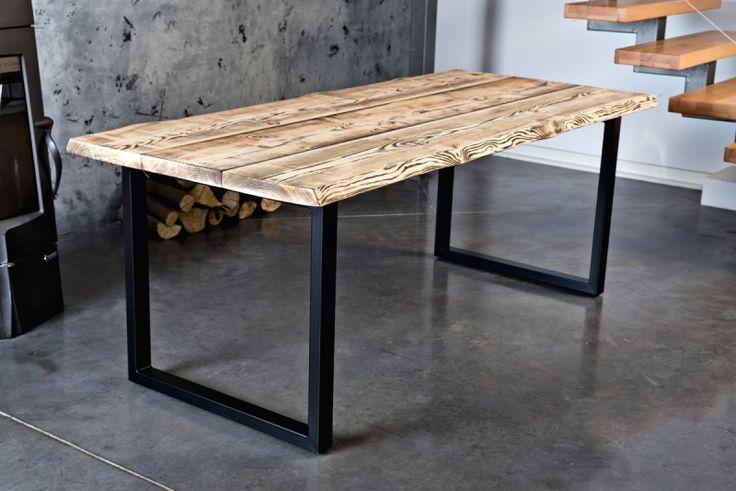 Metalowo-drewniany stół