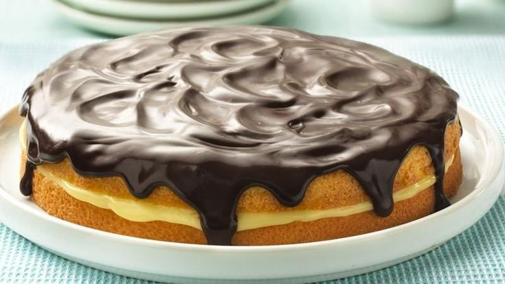 Enjoy this rich traditional dessert made with a wonderful combination of cake, cream and chocolate glaze.
