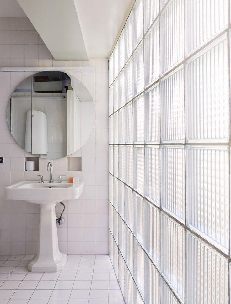les 25 meilleures id es concernant salle de bains brique. Black Bedroom Furniture Sets. Home Design Ideas