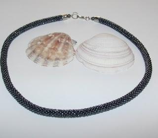 Férfi gyöngyhorgolt nyaklánc csiszolt hemetitból / bead crochet necklace, unisex