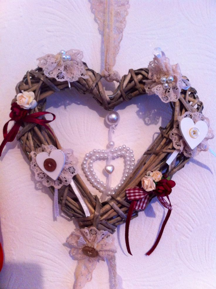 Hand decorated wicker heart £12