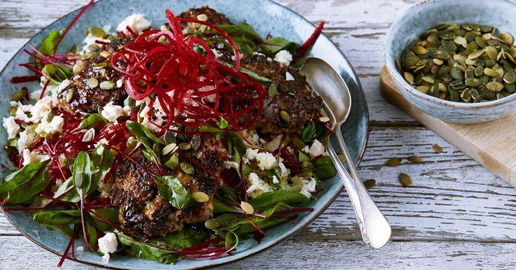Dryga ut köttet med vegetabiliska proteiner, ett enkelt och gott sätt att äta mer klimatsmart! Den här färgsprakande salladen är full av smak och bra energi som gör dig glad.