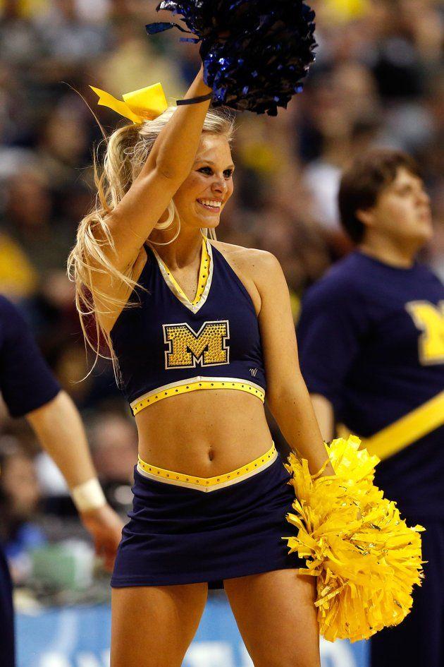 Cheerleader stimulate cock