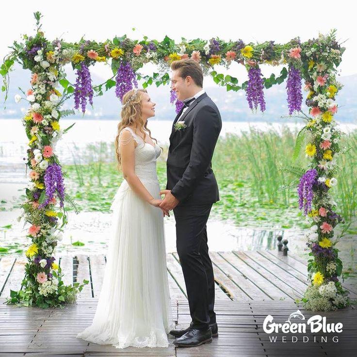 Siz de bu büyülü atmosferde sevdiğinize evet demek istiyorsanız detaylı bilgi için bizi arayabilirsiniz!💐 🌷 🌹🌻 🌼 🌸 🌺  ☎️İletişim:0533 226 5338☎️   Görsel: @fotografpenceresi #greenbluesapanca #greenblue #wedding #kırdüğünü #düğün
