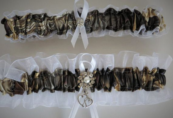 Realtree Camo Garter Bridal Garter Wedding by TheMomentWedding