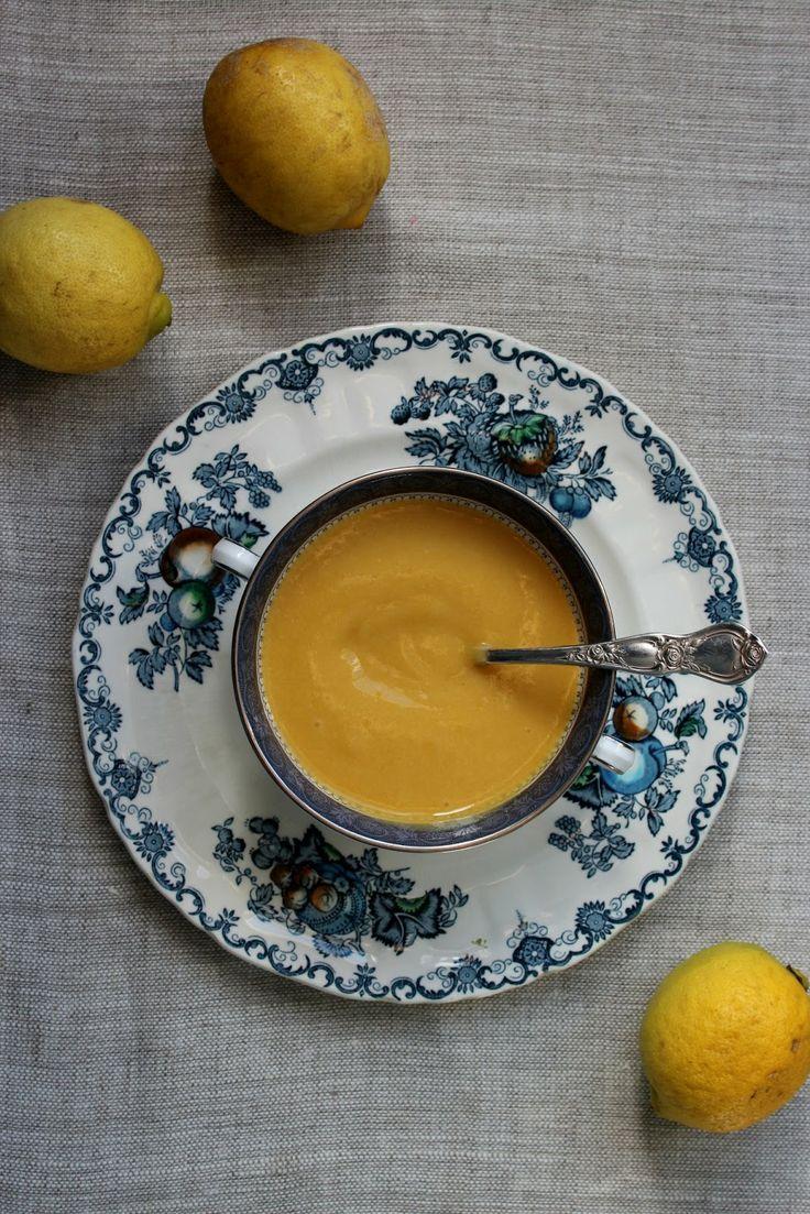 petite kitchen: honey sweetened lemon curd
