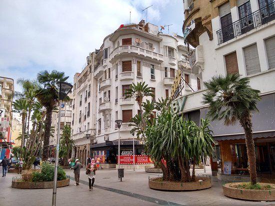 Ville art-deco: Rue Abderrahman Sahraoui, Casablanca.