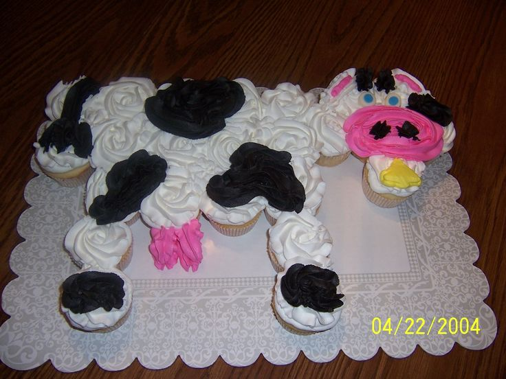 Pull Apart Cow Cupcake Cake For Sammy S 1st Birthday Party