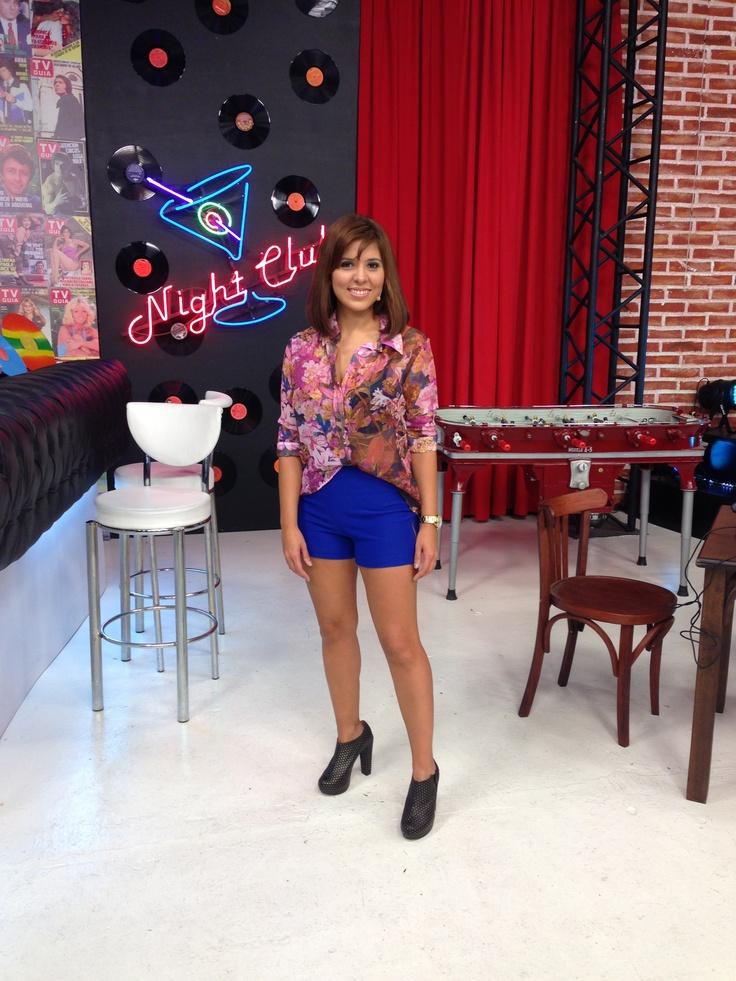 Camisa estampada+ short d Las Pepas y botinetas de Chavela Tacones!