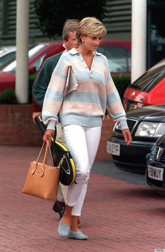 princess diana, this outfit is so on point.. for the 80s but still. Powder blue Tod's matching the stripe in the sweater!