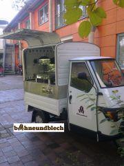auf basis einer piaggio ape 50 kann diese mobile cafébar in und um münchen gemietet werde. die mobile espressobar kann auf messen, firmenfeiern, events aller art eingesetzt werden.