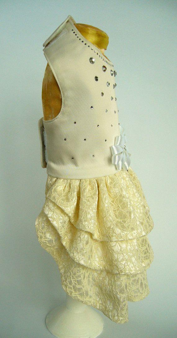 Arnés de perro marfil vestido con diamantes de imitación boda