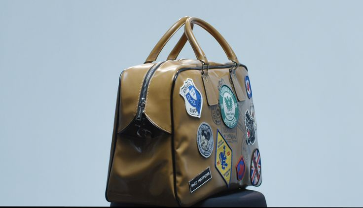 Inspired by the mod and urban style that encompassed London's underground culture. Available online in a variety of models and sizes for men and women. Shop #D2Bags at Dsquared2.com