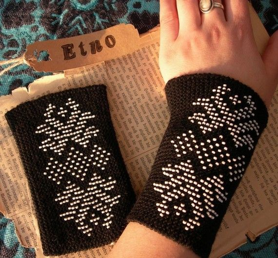 Baltic countries men and women, adults and children used to wear wristbands - a knitted cuff on a wrist from 4.5 to 19 cm in length. In forest, to protect hands from cold.