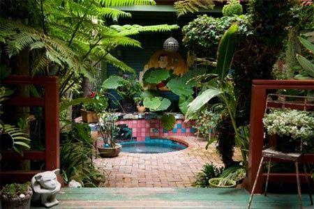 Tropical hot tub - originally from  http://www.habitatdesign.com/2012/01/creating-a-tropical-garden-paradise-around-your-hot-tub/