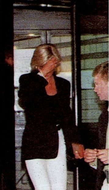 Princess Diana leaves the Ritz hotel, heading to the Mercedes, the night of the crash, 1997.