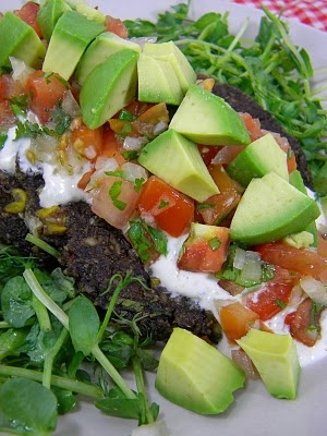 Southwestern Burgers with Lime Sour Cream & Pico De Gallo--raw vegan style. Really want to try this soon!