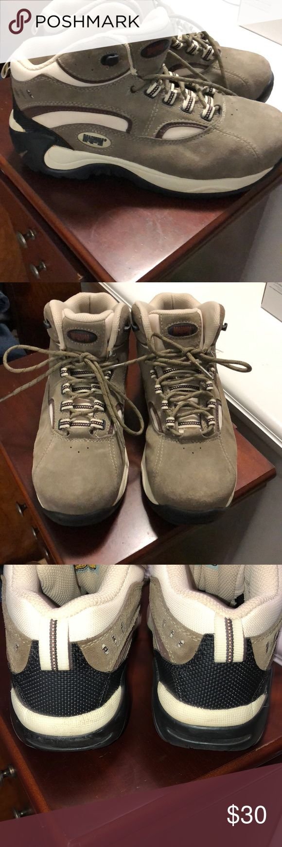 Magnum boots Good condition. Just a little worn on left heel. ( See pic ) Magnum Shoes