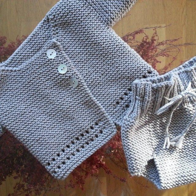 Instagram medios por babyandpoint - Conjunto #babyandpoint Bebé #knitting