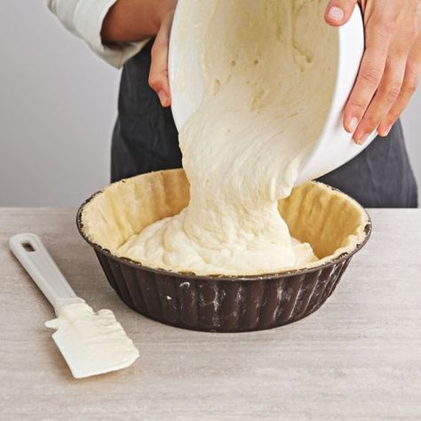 On ne résiste pas à cette tarte au fromage blanc, si moelleuse, si aérienne… et tellement simple.