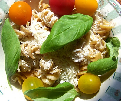 Whole Grain Pasta with Olive Oil, Basil, Heirloom Tomatoes and ...