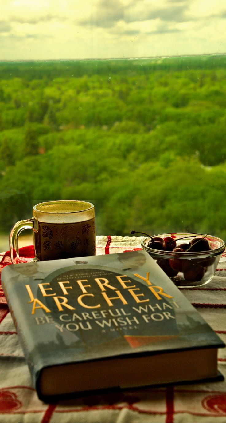Week that Was in a Writer's Images Photoblog - Back to the books, with a cup of coffee, and a thought that I better keep a better watch on my bookshelves. This Jeffrey Archer book is a recent purchase of mine. It was on sale and I remember hearing some good things about this author so I decided to try a new author … again. It seems my bookshelf already has an unread Jeffrey Archer book on it, either by magic or I had already made this new author decision. While I'm obviously getting old ...
