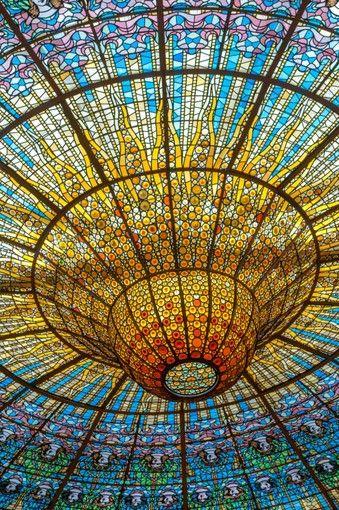 バルセロナのおすすめ観光スポット カタルーニャ音楽堂のステンドグラス
