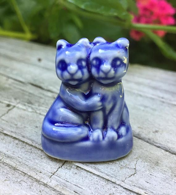 CIJ Wade Whimsies Cats Blue Porcelain Red Rose Tea 70s