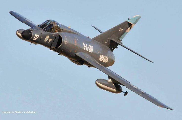 Dassault Super Etendard de la Aviación Naval en vuelo. Foto: Horacio J. Clariá / Avialatina