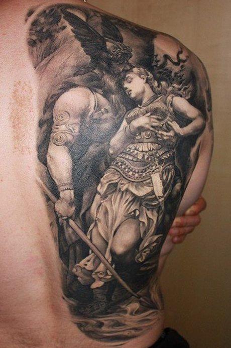 Tattoo de Odin sujetando a Brunihilda