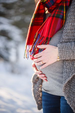Denver Maternity Photographers | Maternity Photography | Colorado Pregnancy Photos | Evergreen Lake House