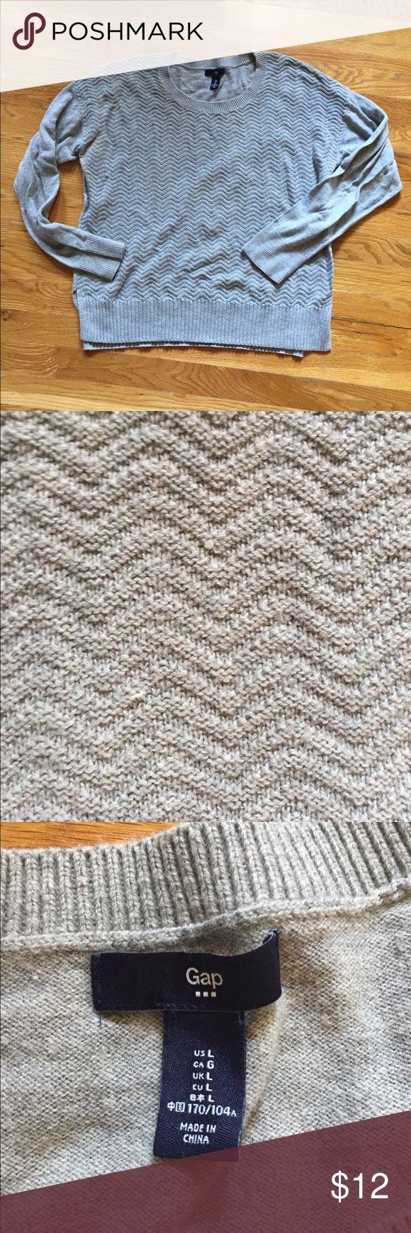 Gap sweater Lightweight gap sweater in great condition. GAP Sweaters Crew & Scoop Necks